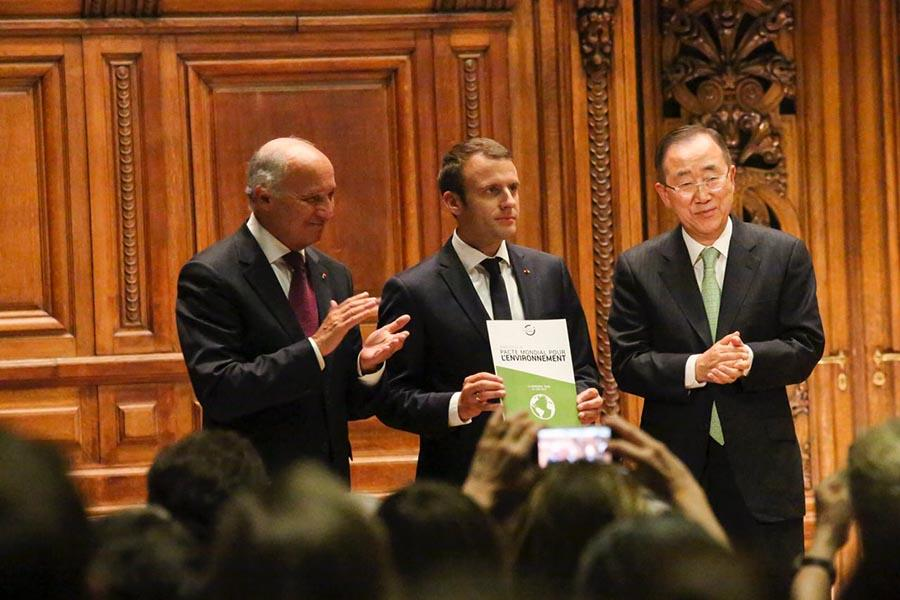 Laurent Fabius, Emmanuel Macron and Ban Ki-Moon at the Global Pact for the Environment presentation.